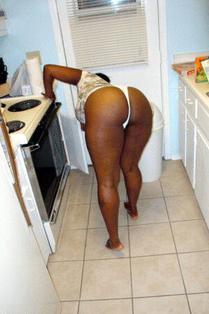 Nude at home black MILFs so sexy in this pictures
