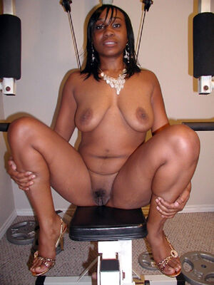 thick ebony women nude
