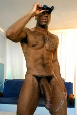 Black hunk shows photos of his 13 inch wang